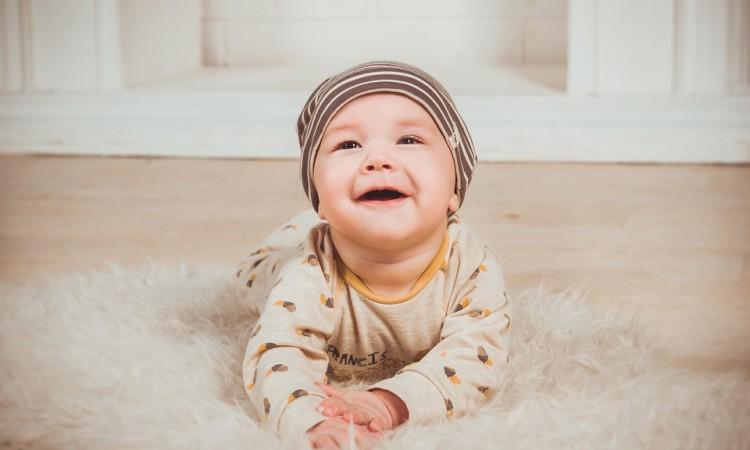 Jak wspierać prawidłowy rozwój kręgosłupa dziecka? Blog Baby's Zone - Gwarancja zdrowego snu Twojego dziecka